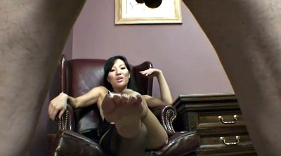 Secretary, Dirty feet