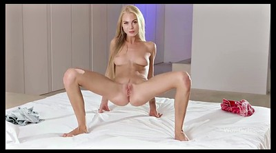 Teen striptease, Show pussy