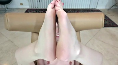 Solo feet, Photo