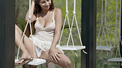 Swing, Teen upskirt