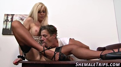 Shemale, Ass licking