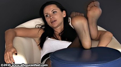 Nylon feet, Footing