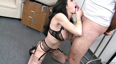 Veronica avluv, Avluv, Hair
