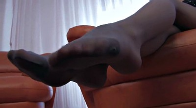 Pantyhose fetish, Pantyhose feet