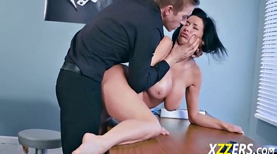Veronica avluv, Throat, Avluv
