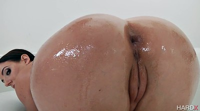 Angela white, Ass show