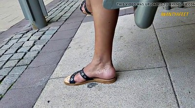 Mature feet, Candid feet