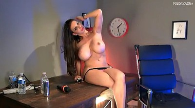Matures, Linsey dawn