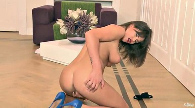 Solo shaved fingering, Big ass solo