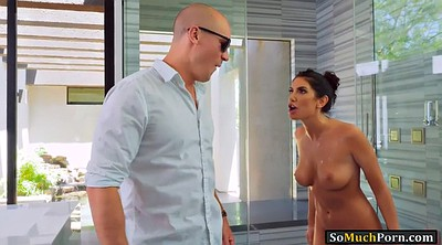 August ames, Shower