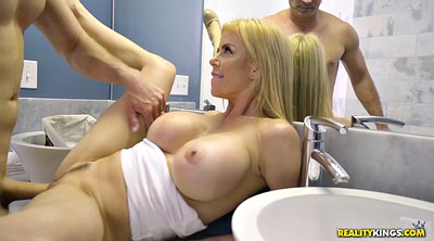 Blonde, Alexis fawx, Bathroom