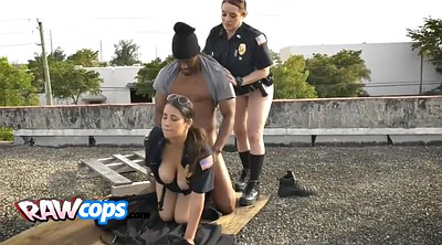 Cops, Black blowjob