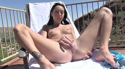 Striptease, Outdoor masturbation