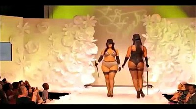 Nude, Fashion show