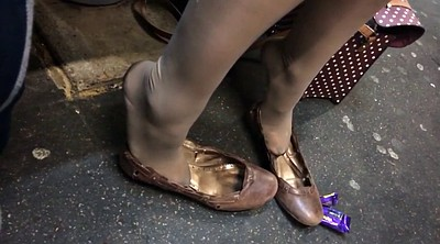 Nylon feet, Candid