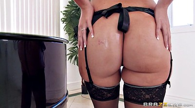 Oiled solo, Black big ass