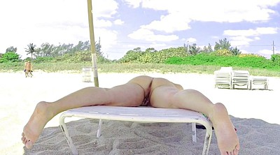 Public beach, Voyeur beach, Spreading