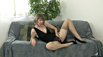 Stocking mature, Strip, Stockings solo, Solo striptease