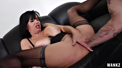 Veronica avluv, Office, Avluv