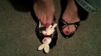 Toes, Bunny