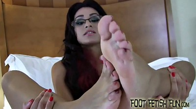 Foot femdom, Cleaning