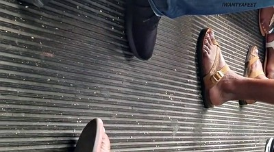 Bus, Candid feet