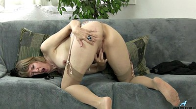 Big clit, Mom masturbating, British milf