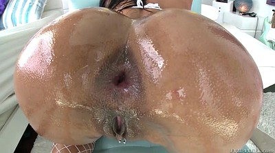 Big ass latina, Anal oil