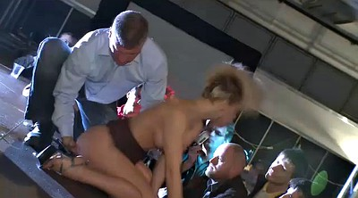 Fisting anal, Stage, Public show