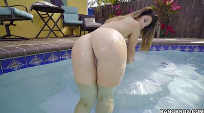 Asian big ass, In the pool