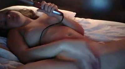 Show, Pussy insertion