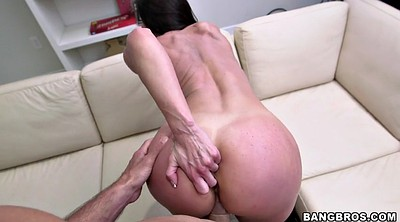 Kendra lust, Stand, Standing