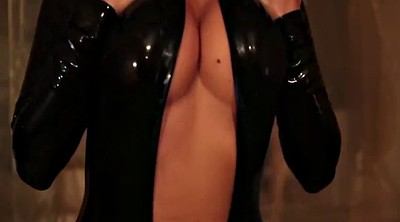 Black foot, Catsuit