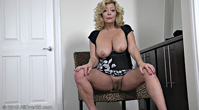 Show pussy, Mature tits