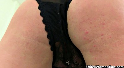 Cougar, Chubby pussy