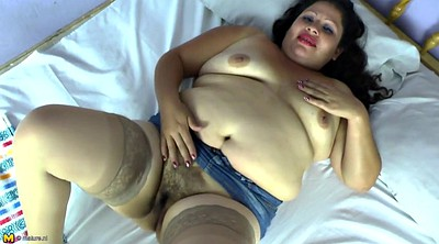 Mature mom, Hairy petite, Hairy mom