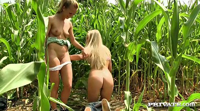 Outdoors, Lesbian outdoor