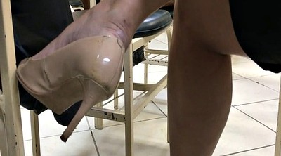 Foot, High-heeled, Shoeplay, Dangling, Candid