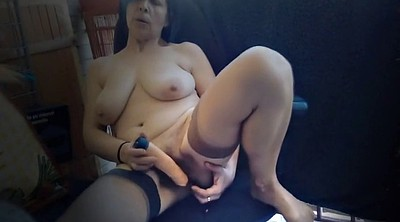 Saggy, Mature masturbating