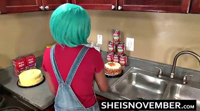 Sister, Ebony solo, Kitchen