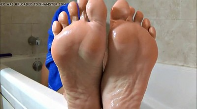 Feet, Mature feet, Bath, Bathing