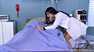 Romi rain, Doctor, Johnny