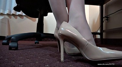 Shoeplay, Pantyhose feet, Laura