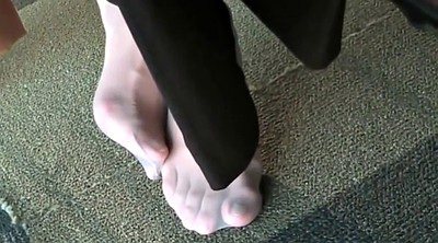 Library, Nylon feet