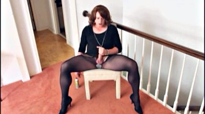 Crossdressers, Gay home