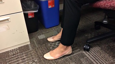 Candid, Office foot