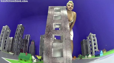Giantess, Goddess