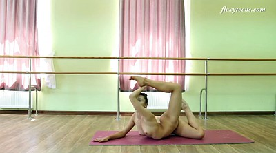 Flexible, Teen solo, Naked