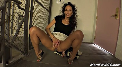 Mature swinger