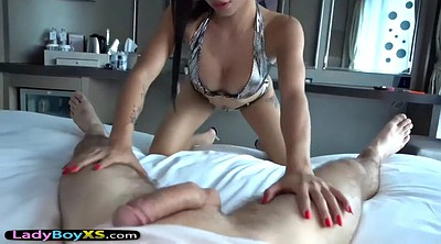 Ladyboy, Showing